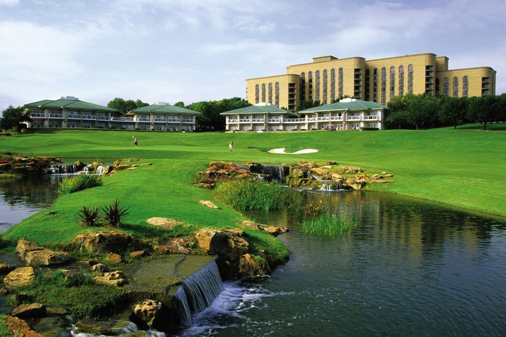 Four seasons hotel in Dallas